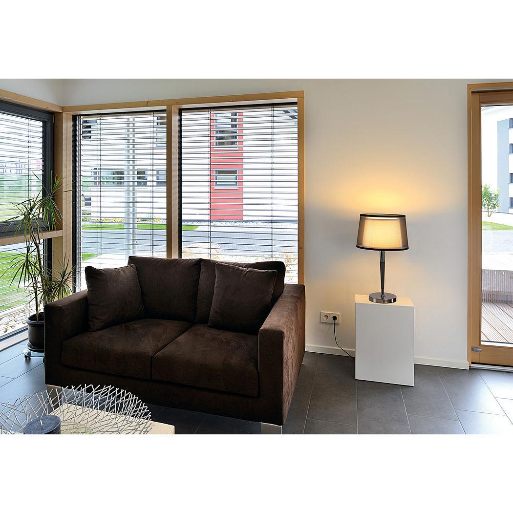 stehleuchte und tischleuchte bishade licht. Black Bedroom Furniture Sets. Home Design Ideas